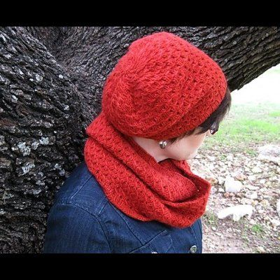 Oren Hat & Cowl by Susanna IC, photo © Susanna IC