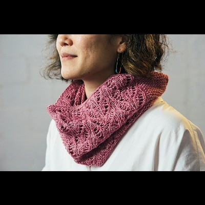 Ceibo Cowl by Susanna IC, designed for Manos del Uruguay, featuring Manos del Uruguay's yarn, photo © Fairmount Fibers, Ltd.