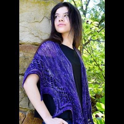 Corvida Shawl by Susanna IC, photo © Susanna IC