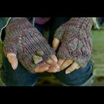 Hawthorne Mitts by Susanna IC, Twist Collective Fall 2011, Photo © Jane Heller