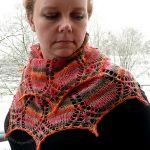 Sunrise Shawlette by Susanna IC, Photo © ArtQualia
